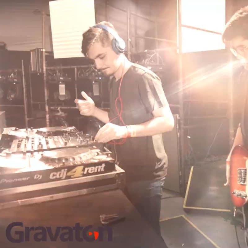 Salim Sahao ft Fuza - Again | Gravaton